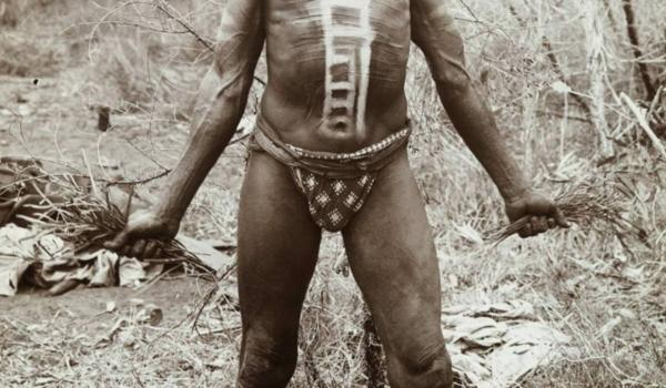 warrior in ceremonial body paint form the Carnarvon region of Western Australia in 1906. Dr T. H. Lovegrove / IDIDJ Australia