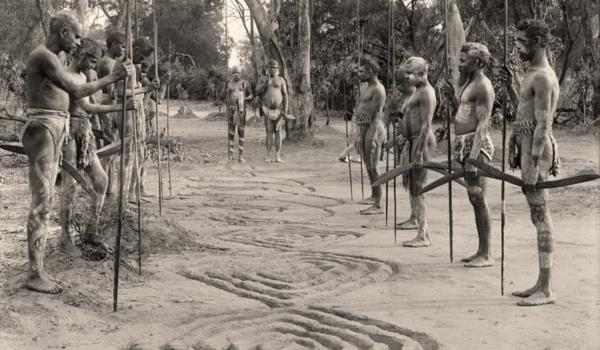 Bora ceremony showing sand sculpture design at Quambone Station, NSW in 1898. Charles Kerry / IDIDJ Australia